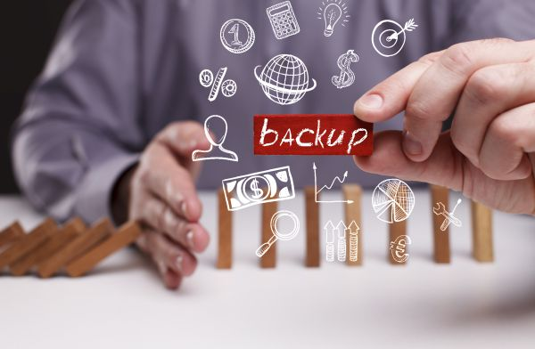 windows backup vs paid backup solution